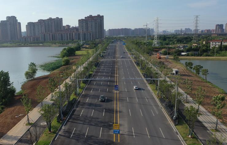 黄家湖大道与三环交汇区域环境整治焕新,湖居生活从此畅通发达