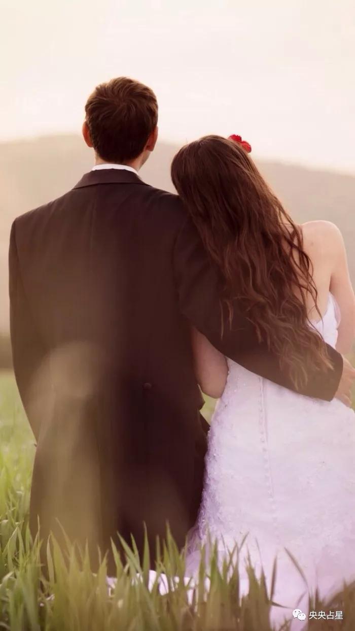 在8月份,月老送来好姻缘,爱情运势爆棚的四大星座!