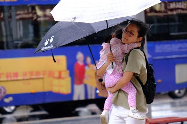 今夜广州还有大雨,明天风雨就减弱了