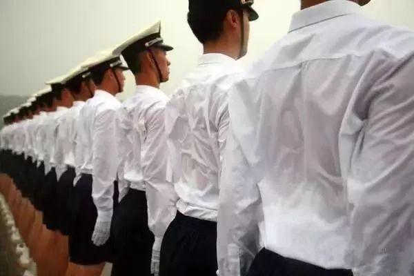 向中国军人致敬——今天,你们是主角!