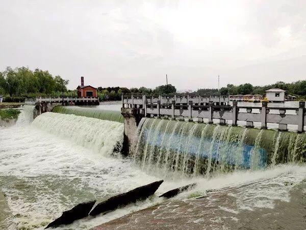 【1024围观】真壮观!实拍暴雨过后驻马店练江河泄洪场面!