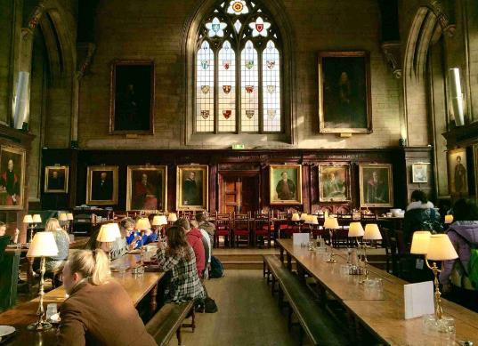 原创注意!这9所英国大学法律本科生必考LNAT!