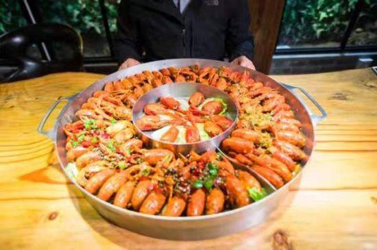 济南人吃小龙虾最爱麻辣味 在长清吃小龙虾贵几倍?