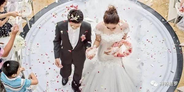 塔罗占卜:你跟TA会结婚吗?准到尖叫