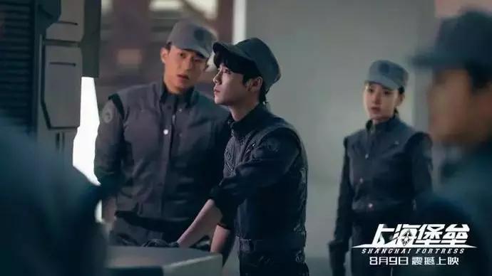 <b>鹿晗新片被批不敬业,为了形象不愿剃头,导演:他做演员太不合格</b>