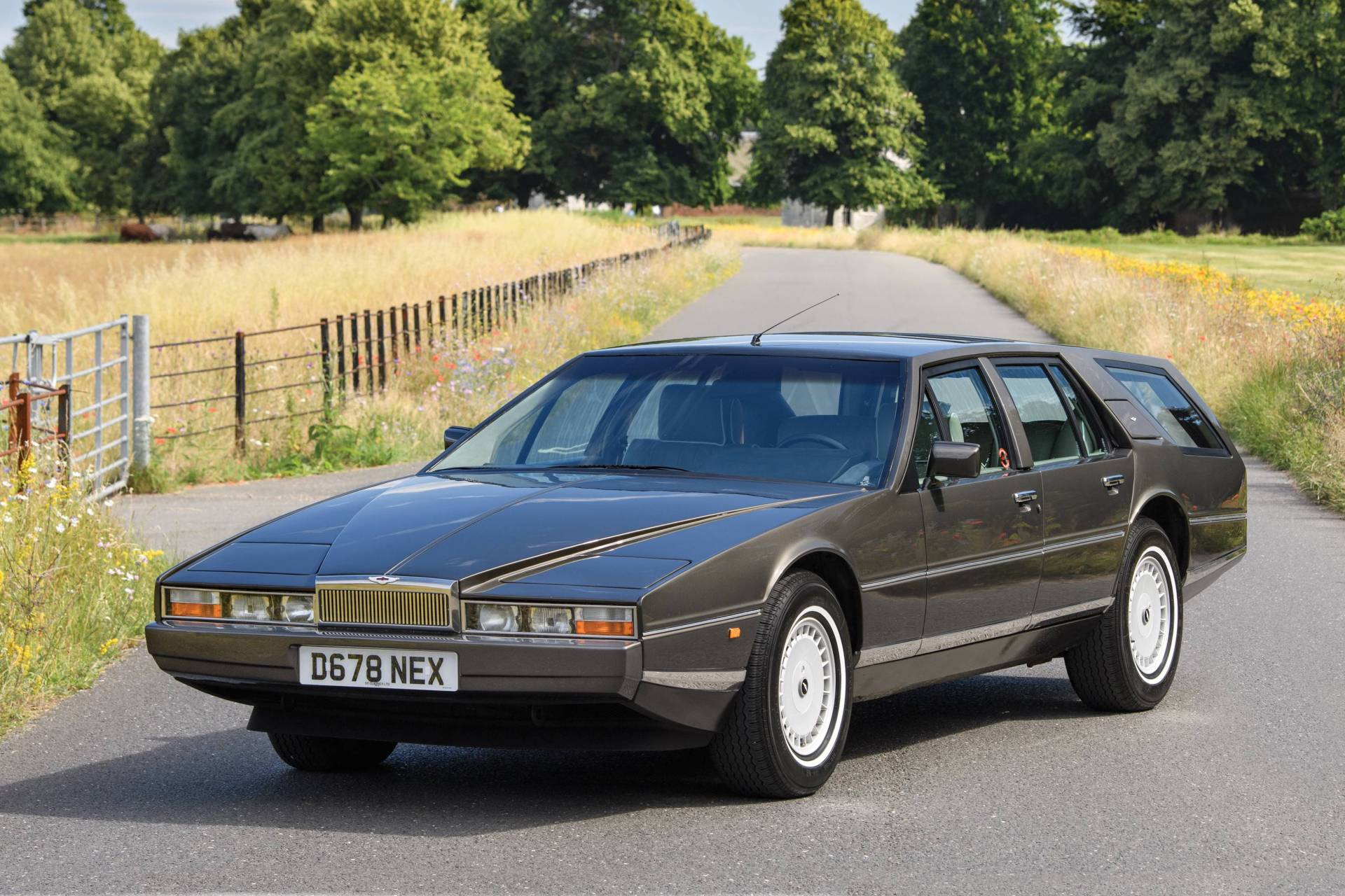 经典老车 1987年阿斯顿马丁拉贡达猎装版