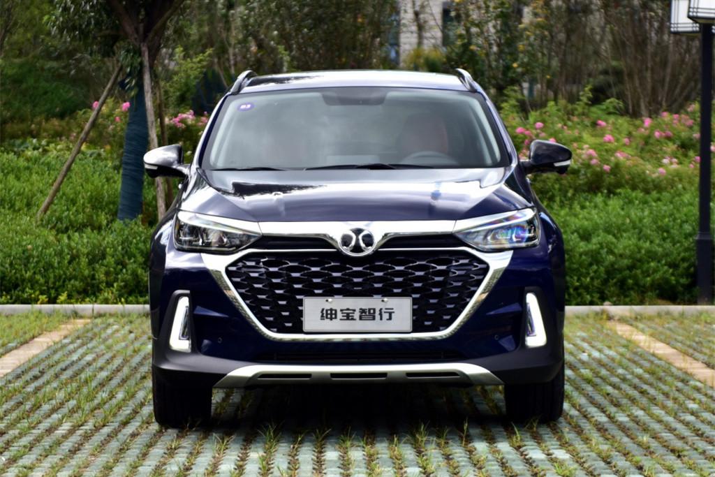 原厂紧凑型SUV只卖了5.99万,入门1.5T,还是卖不出去
