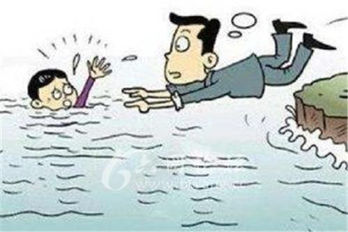 六安霍山:花甲老人饶俊生奋不顾身勇救落水母子