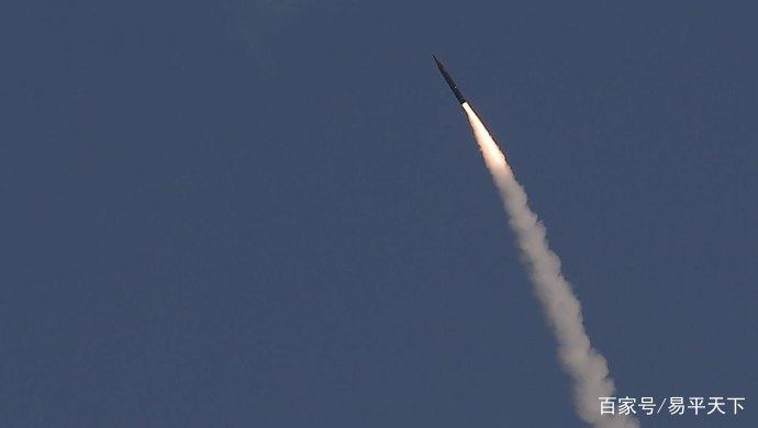 <b>3枚弹道导弹秘密射向美国本土,大气层外全被摧毁,伊朗要害怕了</b>