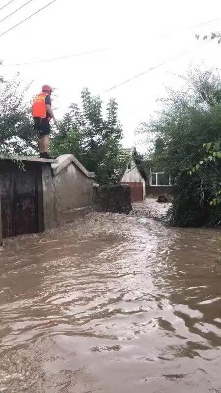 洪峰平稳通过阿什河城区段!安全转移群众6313人