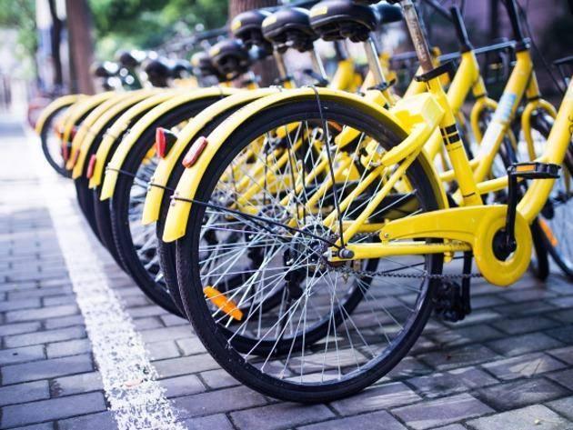 疯狂烧钱的共享单车,变成城市垃圾,5元一辆当废品处理