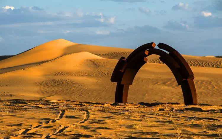 西安印刷厂从三大背景看民勤国际沙漠雕塑创作营的三个突破 行业新闻 丰雄广告第3张