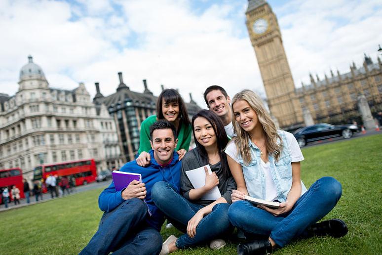 解密!出国留学准备大学一年级的10种方法
