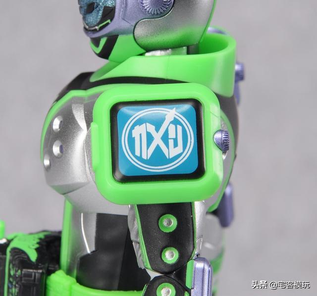woz的配色真的是相当的潮 毕竟是从未来穿越过来的骑士 原型为智能图片
