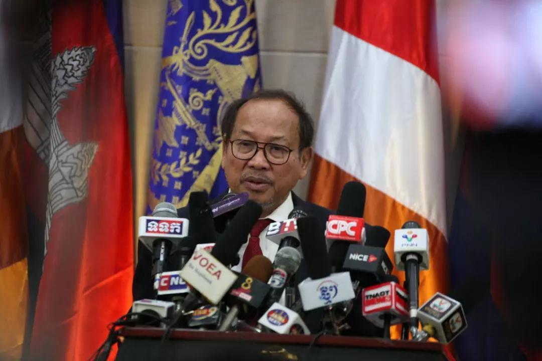 柬埔寨挨美大使馆批评,发言人学特朗普:不喜欢就走