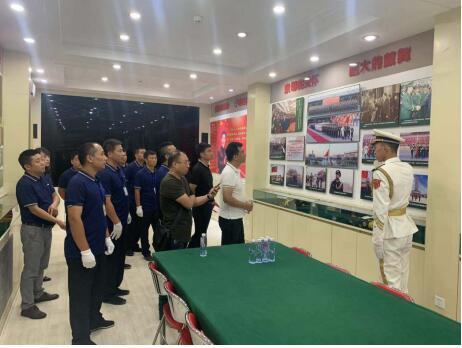 建军节,国旗护卫队给海尔空调创客上了一场生动的国旗课
