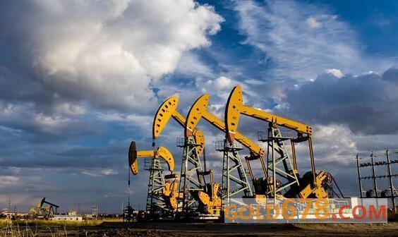 <b>贸易局势动荡令需求前景恶化,美油暴跌7%失守55关口</b>