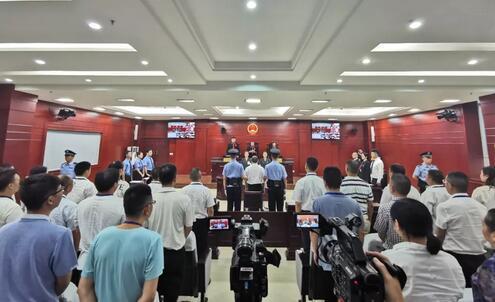 四川广安原副书记严春风受贿案一审宣判 获刑10年