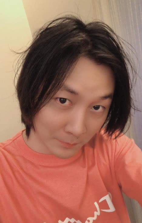 张大仙正式加入虎牙,房间号688,为虎牙独一份!