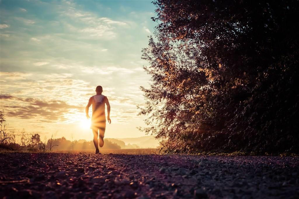 运动的减肥效果大不相同!慢跑、爬山最能改变易胖体质