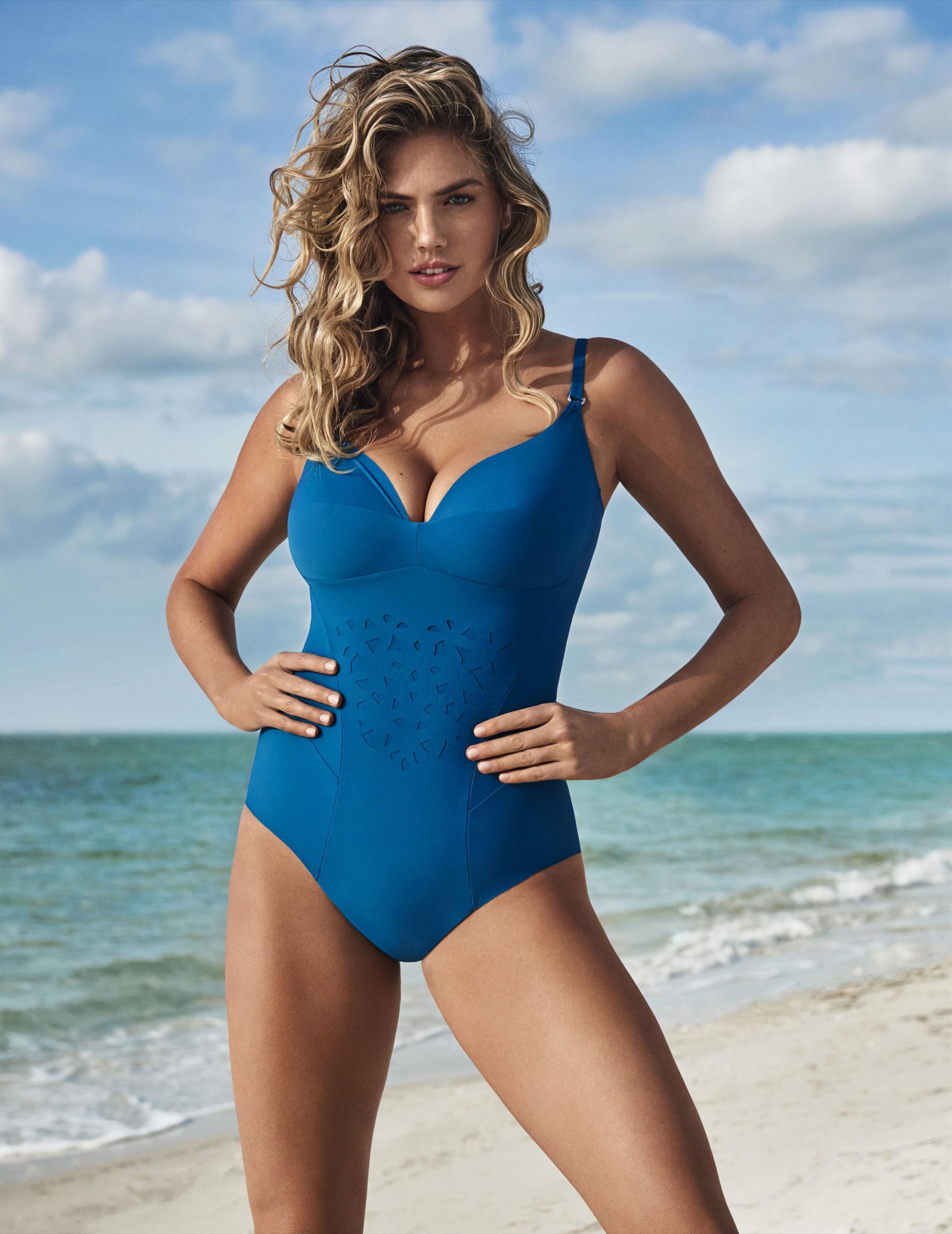 原创            超模阿普顿外出健身被拍,产后身材发福,被称微胖女神!
