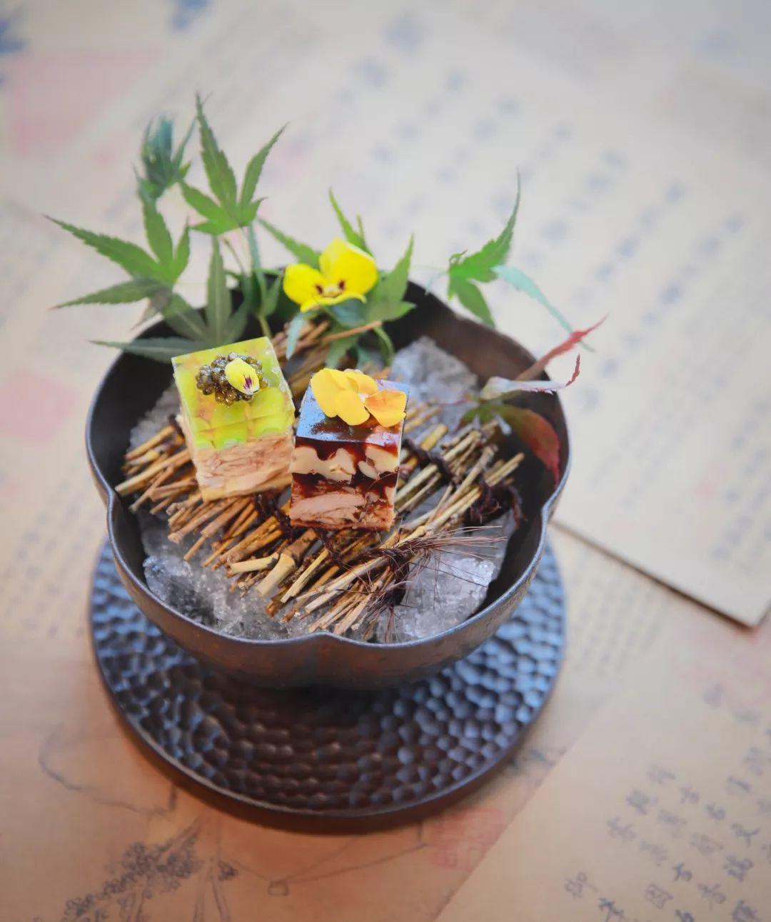 法式鹅肝配鱼香汁 刘军,成都南贝创意餐厅 鱼子酱海鲜沙拉 徐招,苏州