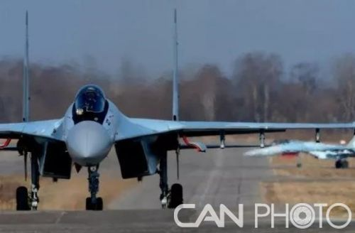 俄罗斯西部军区组建首个苏-35战斗机飞行大队