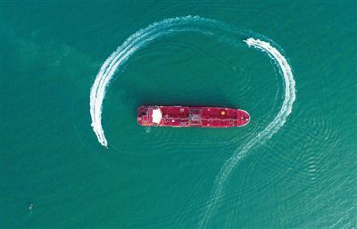 扣伊朗油船、增兵波斯湾 英国强刷存在感图个啥?