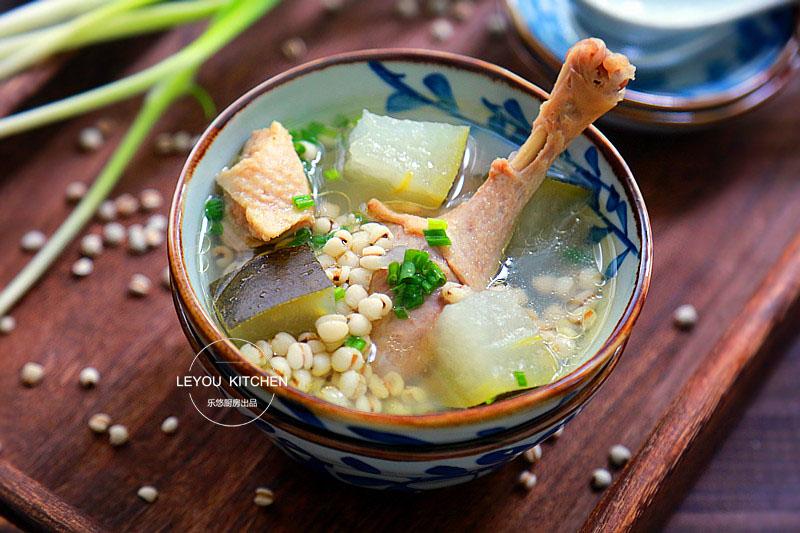 暑热难熬,三伏天多喝这碗汤,消暑祛湿,用电饭锅就能炖