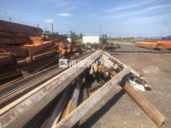 """男子骗""""破烂王""""到工地搬走25吨铁轨 不料被对方录了音"""