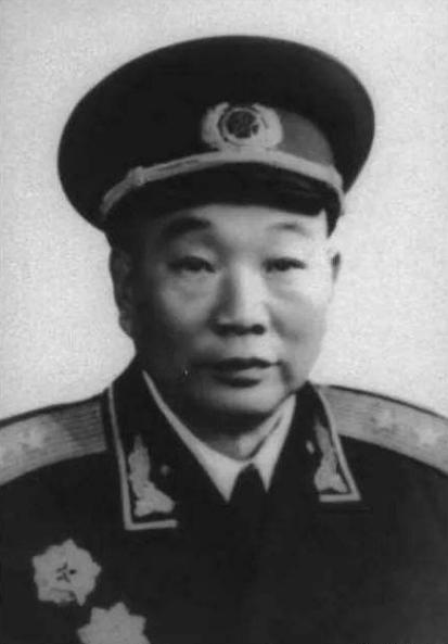 他16岁参加革命,为新四军重建做巨大贡献,被称为战神的参谋长