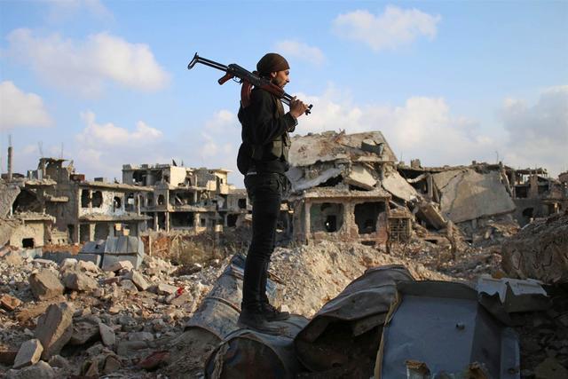 """叙利亚""""暑期工""""发工资了!80000人民币一天,这真的可能吗?"""