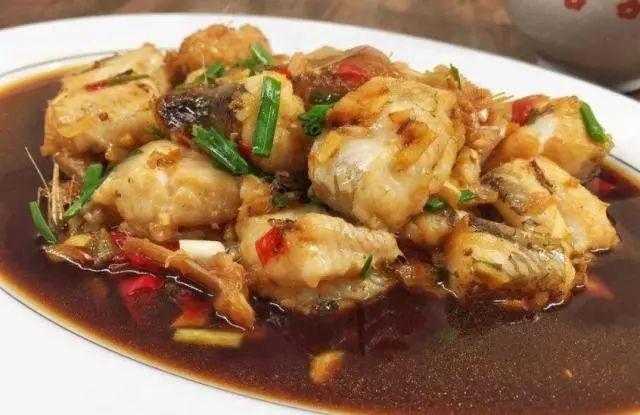8月份,这鱼大量上市,一斤5块钱,肉嫩如豆腐,味道鲜美