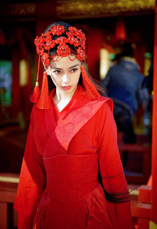 女星古装红衣造型,杨颖刘诗诗赵丽颖林心如刘亦菲热巴谁最惊艳