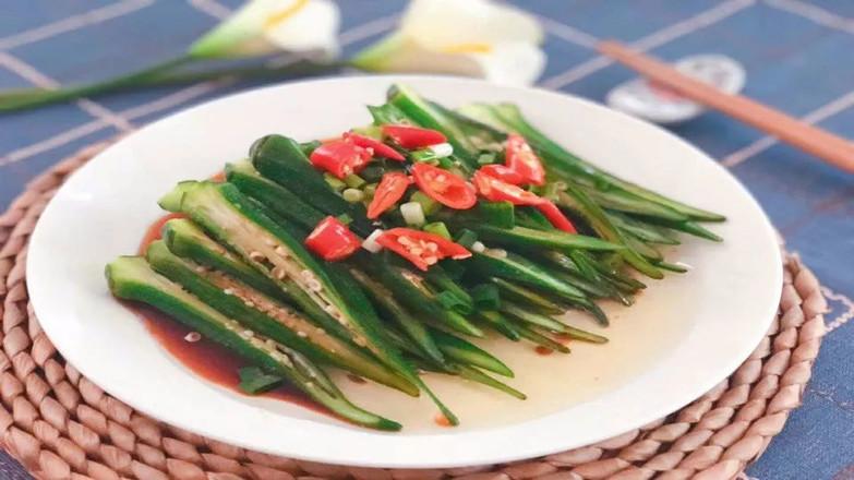 不要直接切秋葵,这样做汁多营养不流失,夏天最适合的吃法