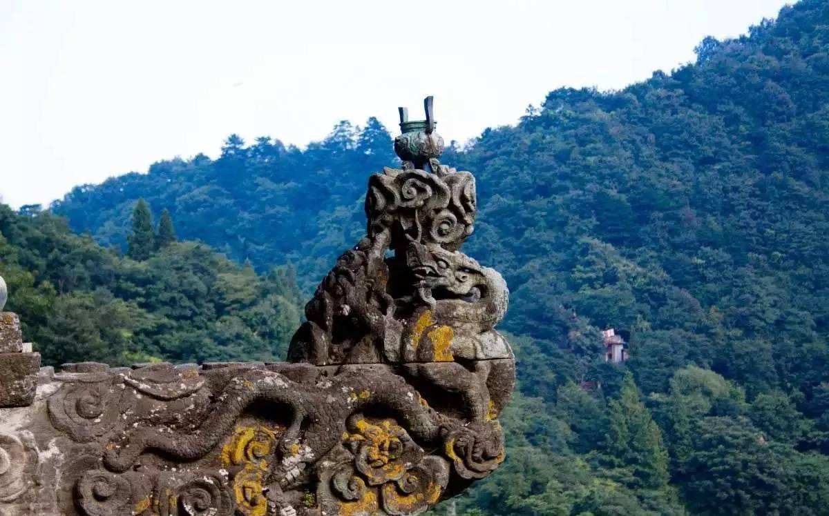 原创             中国最赚钱的山,一张门票230元,年收入超52亿
