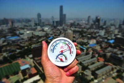"""7月多地发生极端高温 预计8月部分地区将现""""桑拿天"""""""