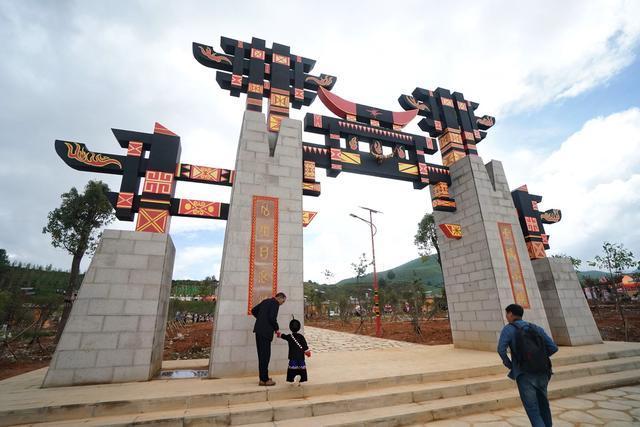 自驾云南:索玛小镇再过火把节,这是牵挂的地方,有八个资助孩子