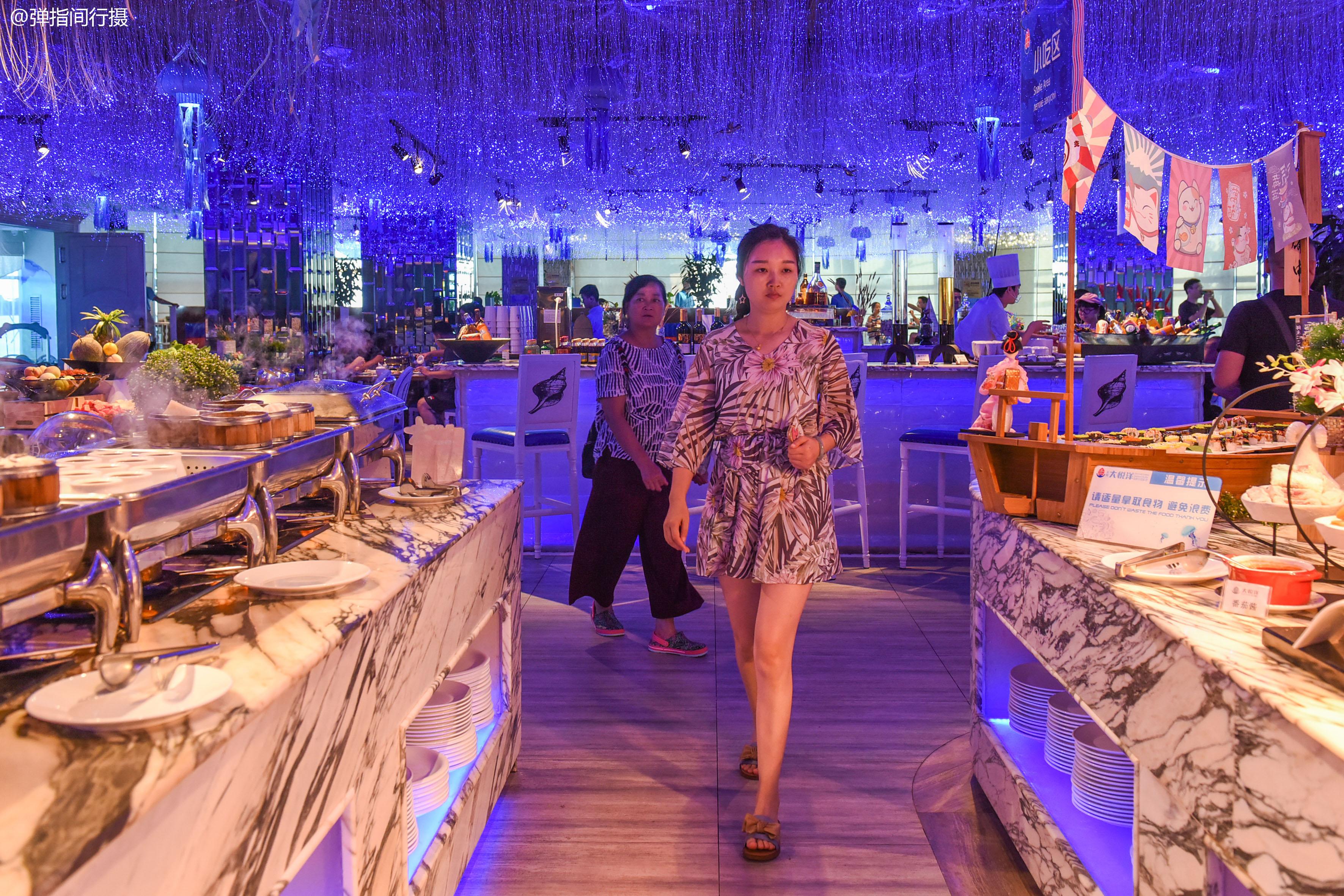 三亚最美妙的美食体验,边欣赏大东海日落美景,边享受饕餮美食