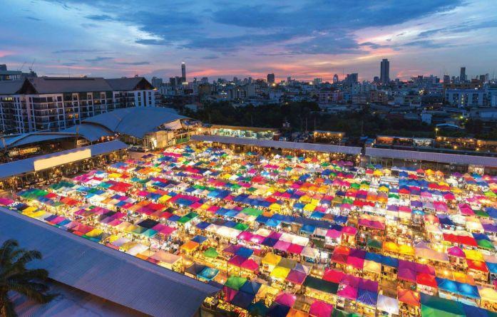 <b>火遍抖音快手的水果西施在这里!来曼谷不可错过的两大夜市?</b>