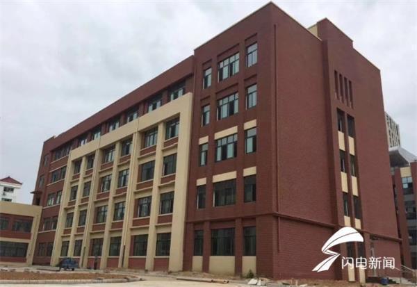 皇冠中学长峰校区9月正式投入使用 可容纳学生2400人