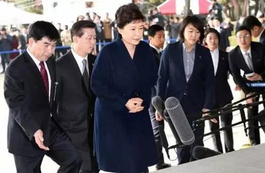 朴槿惠的监狱生活有多悲惨呢?网友:用一个词语形容就是惨不忍睹