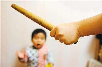 2个年龄段的孩子打不得,生气也忍着,不然越打越远