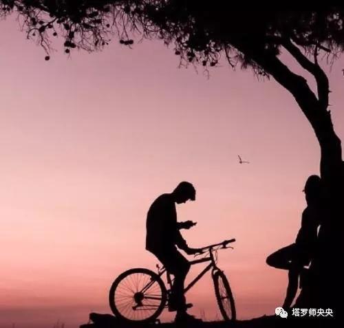 塔罗牌占卜:离开你身边TA还爱你吗?还是觉得得到了解脱