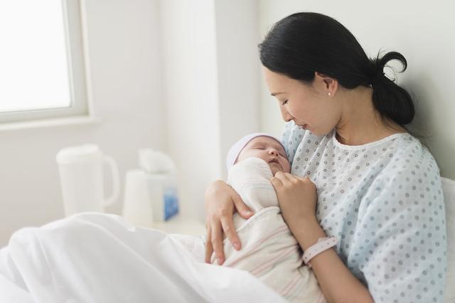 最佳生育年龄,28岁和35岁 ,哪一个才是孕妇生孩子的一道坎儿?