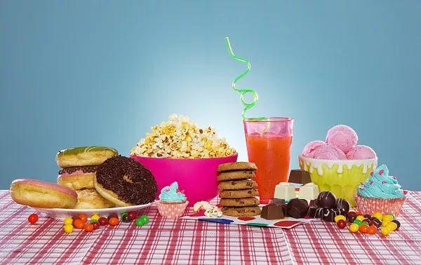 """<b>暑假""""吃吃吃""""?别再让孩子碰这些""""健康零食""""了</b>"""