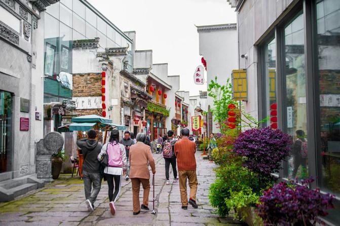 """黄山旅行该去哪?这个""""徽派""""老街不收门票,既有美食又有风景!"""