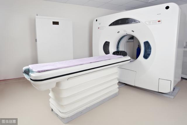 神内医生提醒:脑出血不是悄然而至,五个症状在给你提醒,发现一个就能保命