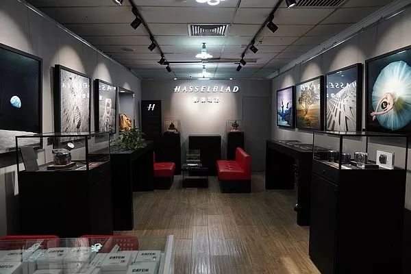 全面了解哈苏相机登月历史 鼎信鼎峰哈苏授权体验店欢迎您