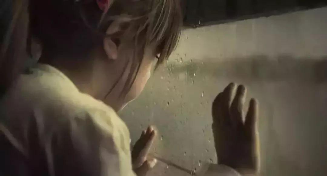 """2岁男孩目击爸爸杀死妈妈:婚姻的悲惨剧,永久不该该由孩子去承当"""""""